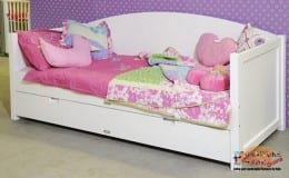 day bed warna putih